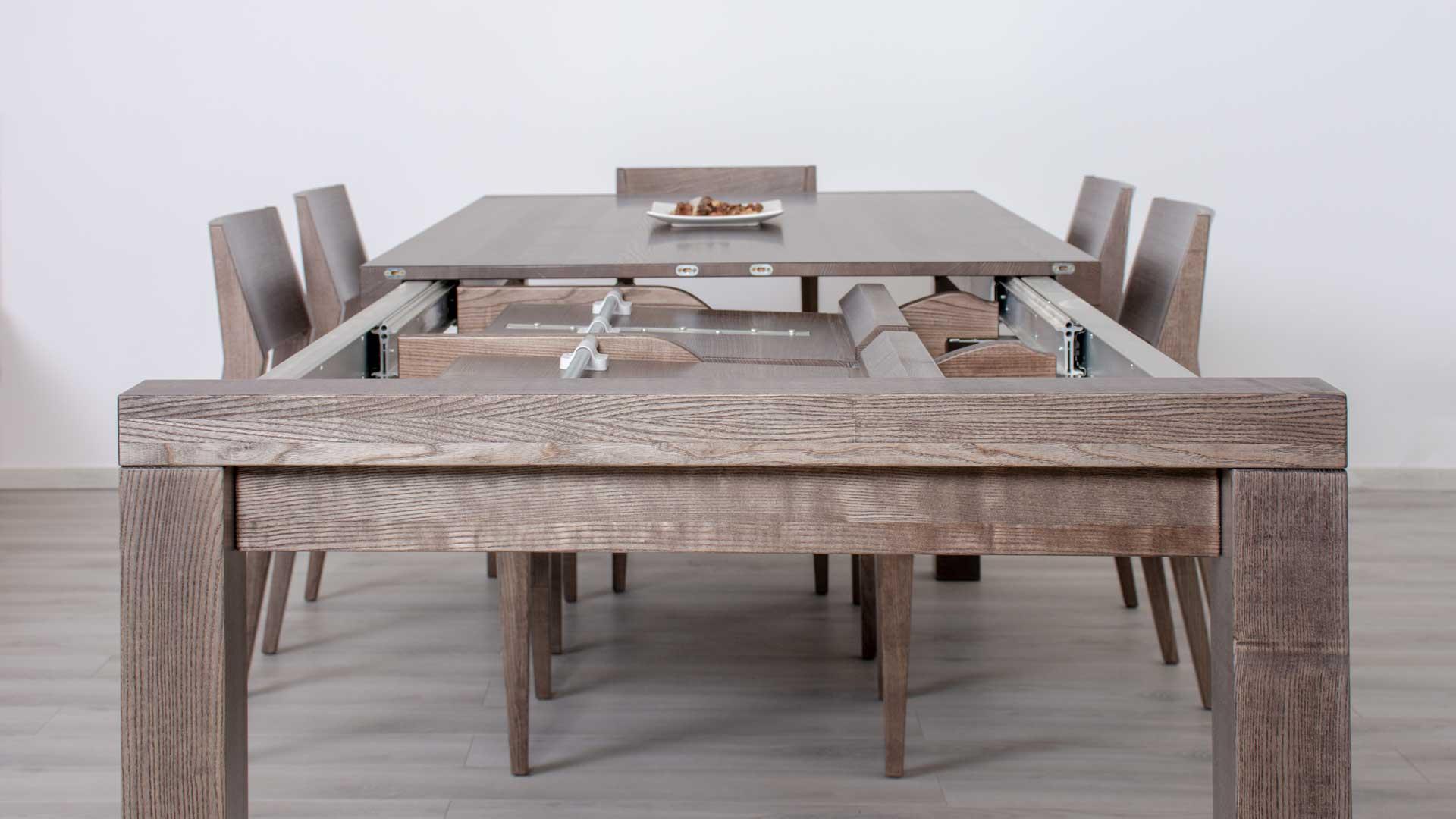 nagy asztal a látáshoz)
